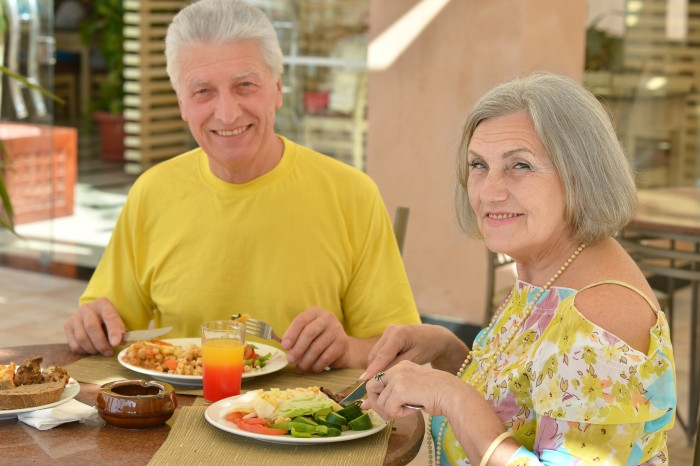 dementia diet Good diet staves off dementia and alzheimers higher folate intake associated with lower risk of alzheimer disease in the elderly.